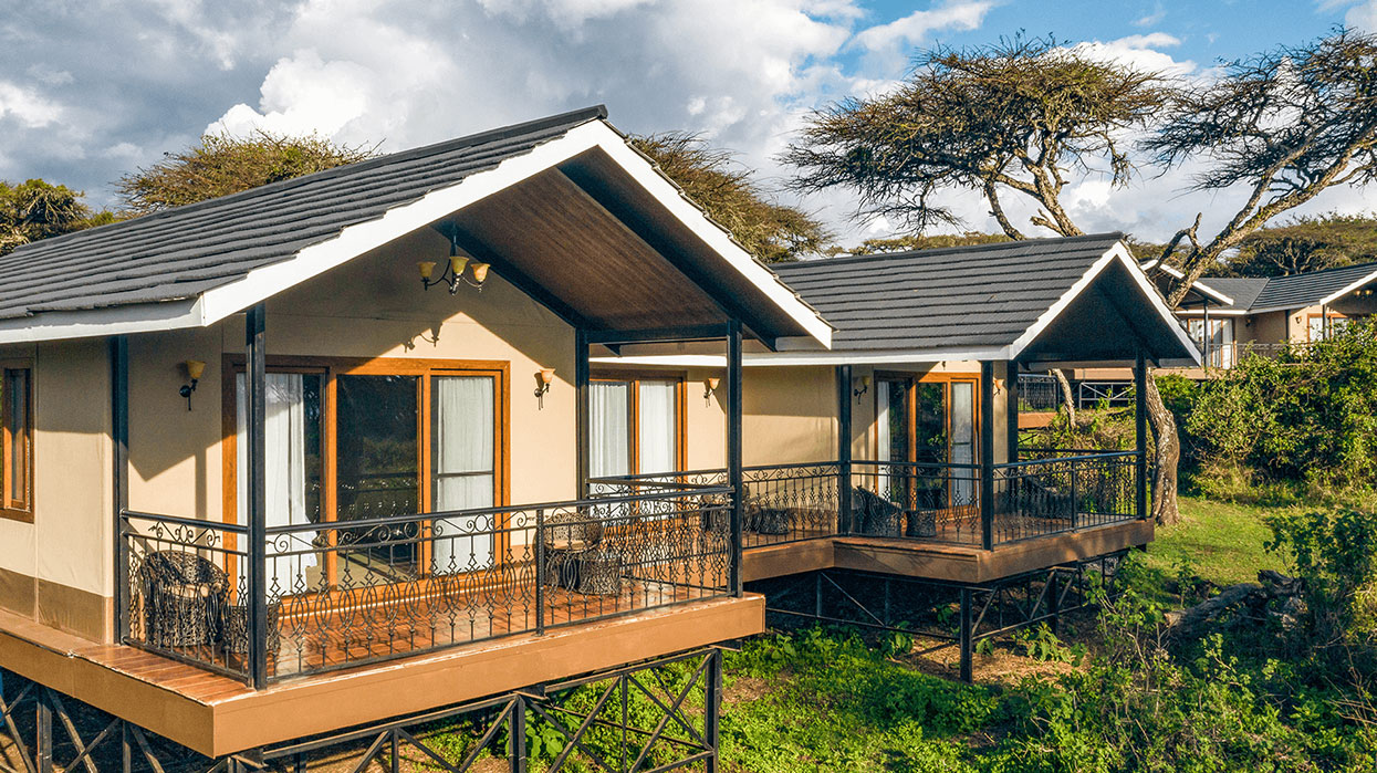 Lions paws Luxury Tented Camp Ngorongoro Crater_tanzania_Safari
