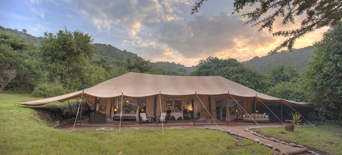 Luxury Cottar's Camp Safari