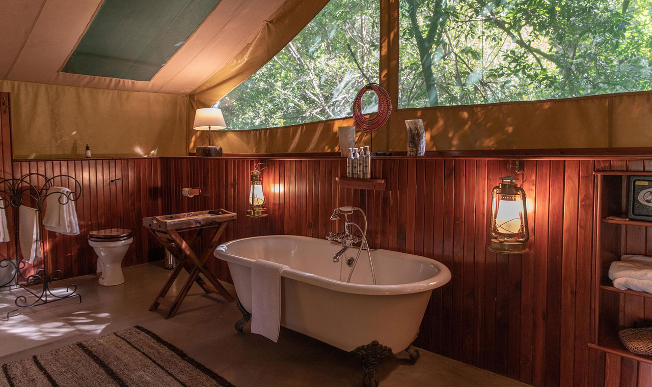 7 days Kenya Luxury Safari Governor's Camps bath room